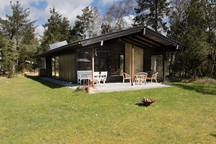 Sommerhus i naturskønne omgivelser - Væggerløse - Blockhütte