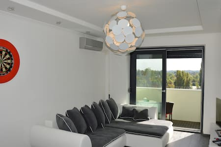 Nice view & modern, cosy Apt with 2 balcony - Budapest - Appartamento