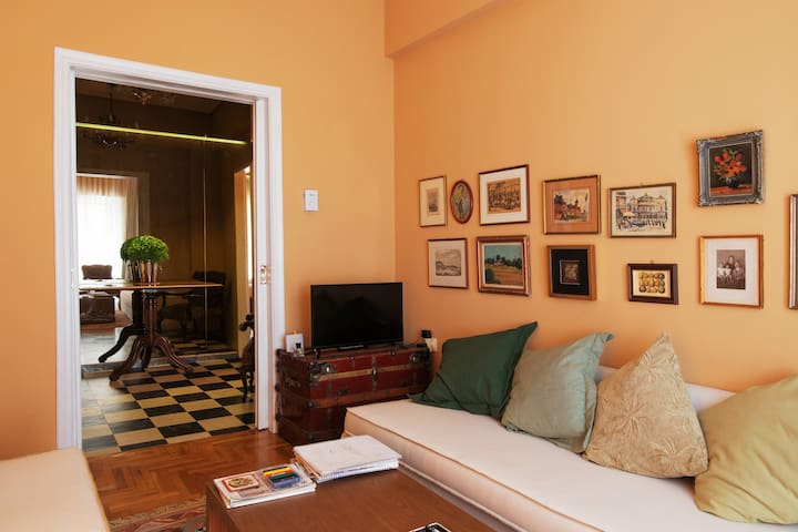 Elegant,Charming Apartment in The Center Of Athens