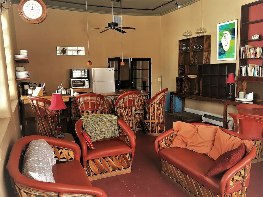 Guest Lounge, Kitchen, TV Room