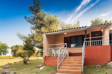 Bungalow for 2+2 pers with WLAN in Umag R10827