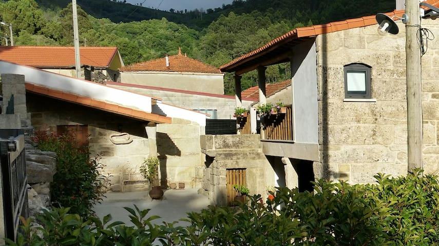 Casa de Campo dos Prazos  - Monção - Hus