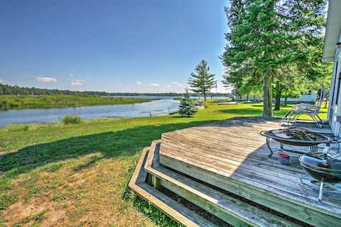 Cozy Lakefront Hale Cabin w/ Access to Boat Ramp!