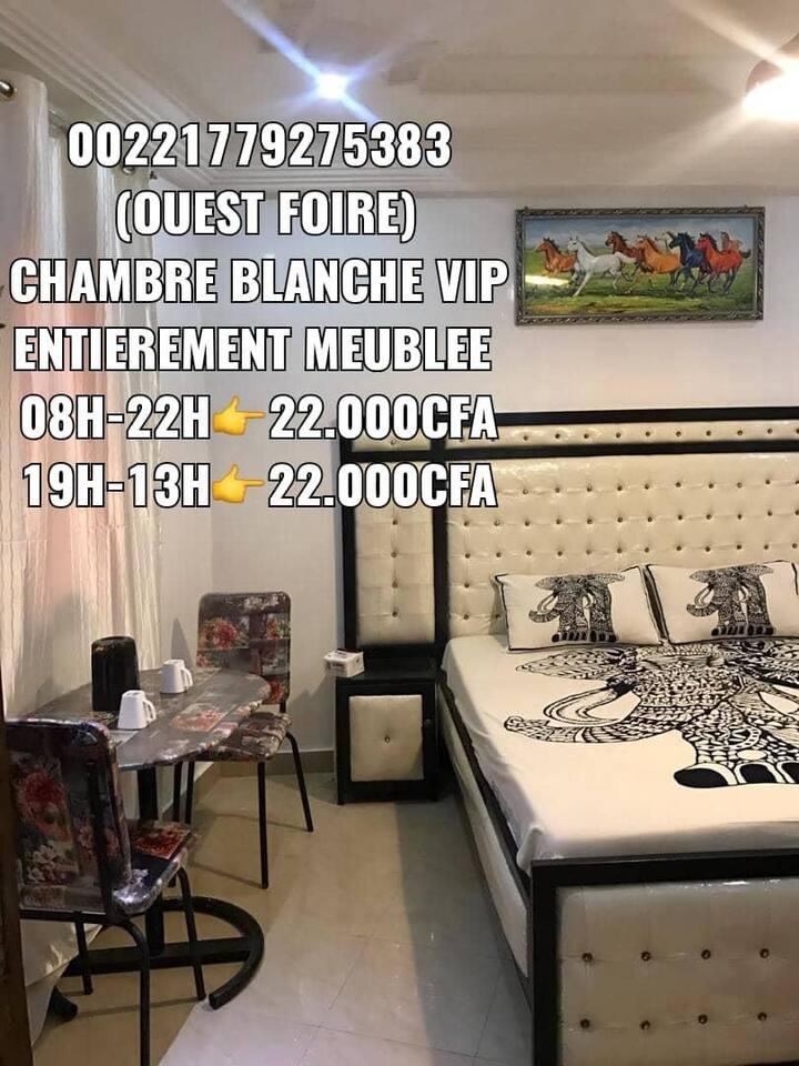 VIP Chambre Meublée tte blanche