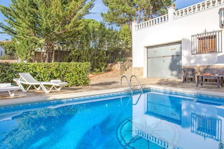 Holiday home private swimming pool quietly located 8.5 km from Lloret de Mar