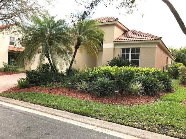 REMODELED SINGLE FAMILY HOUSE - Palm Beach Gardens - Haus