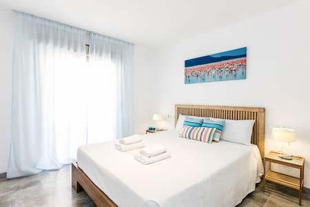 Room with bathroom-Ibiza Town (1B) - Ibiza