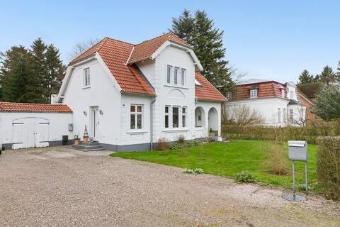 Hus i Søllested i idyllisk stationsby på Lolland.