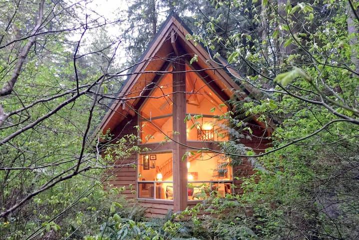 💗Snowline Family Cabin #4-HOT TUB-BBQ-W/D-D/W⭐