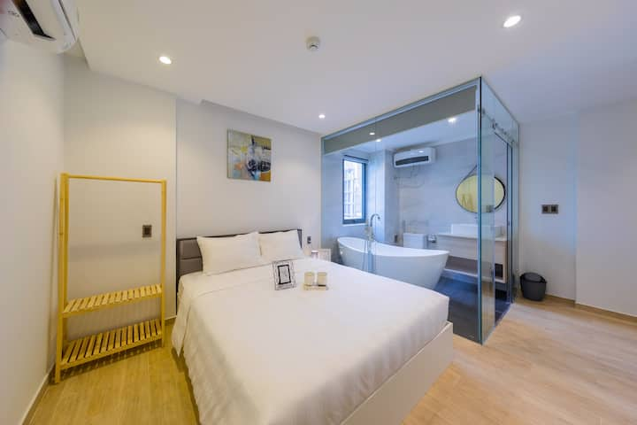 Furnished 1 BR Near Danang Beach – 5 Min Walk