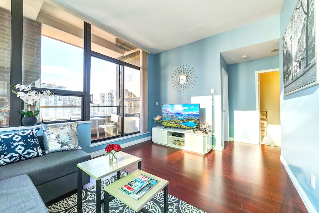 Fully renovated modern condo with brand-new appliances and furnitures.