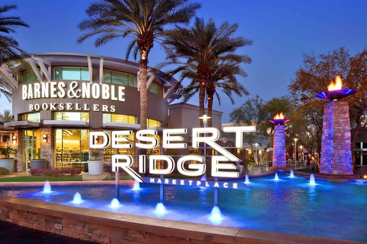 Gorgeous new Desert Ridge Suite ..great location!!