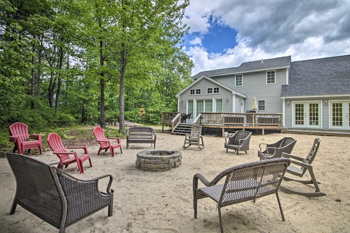 Charming Home - 1.1 Miles to Ossipee Lake Marina!