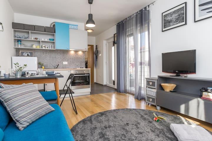 MARI -Charming apartment in a quiet area