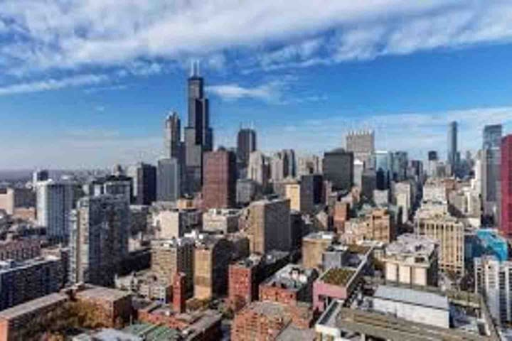 Beautiful Penthouse Room// Downtown Chicago views!