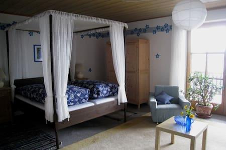 Auerberghaus Bed & Breakfast #Blau