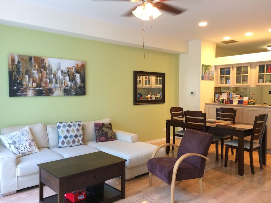 Bright and homey living / dining area