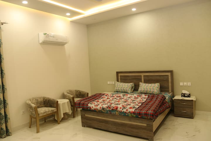 Guest House Room available For Rent