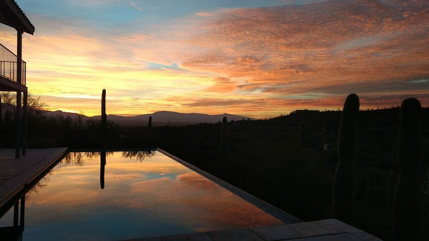 Beautiful quiet retreat with pool + amazing views - Tucson - Villa