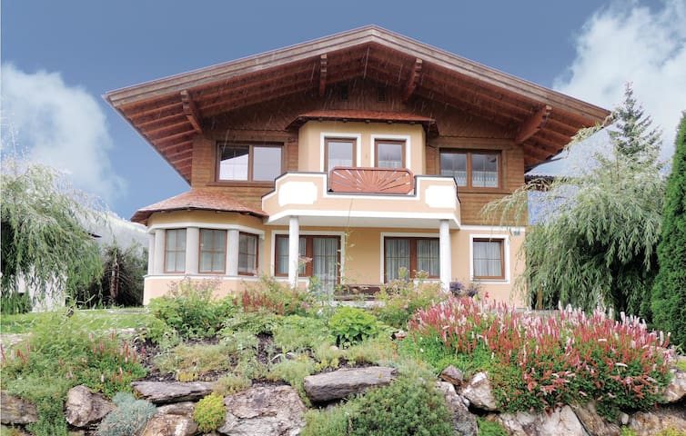 Holiday apartment with 3 bedrooms on 92m² in Kleinarl