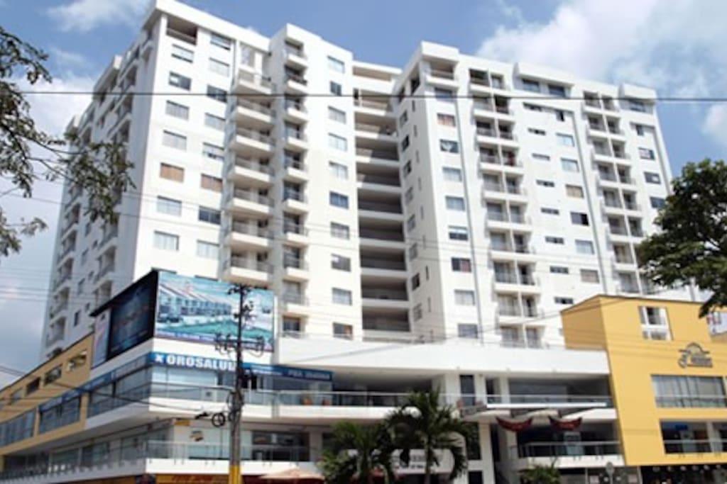 Apartaestudio ed fontainebleau ibague apartamentos en for Piscinas portatiles colombia