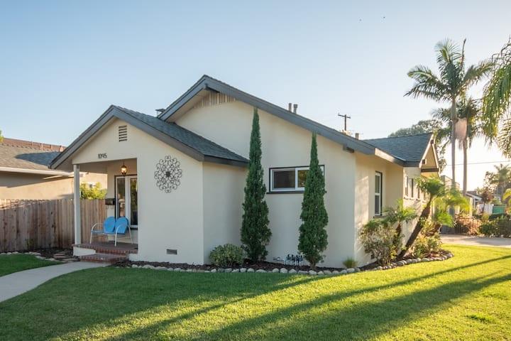 Long Beach Comforts - Private yard & 2 car garage