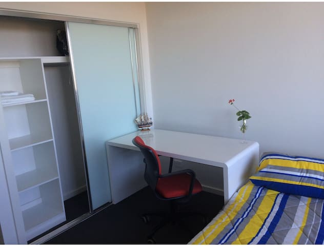 Cozy 1 bedroom with city view - Preston - Apartment