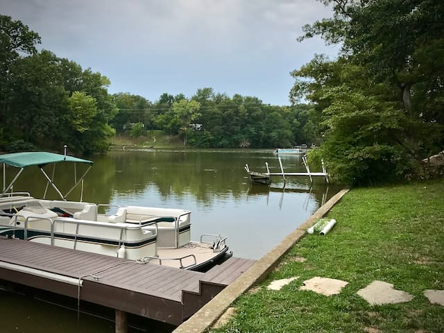 Lake House - Perfect for any group