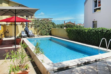Holiday house Gabi with pool garden and barbecue, perfect choice for holidays