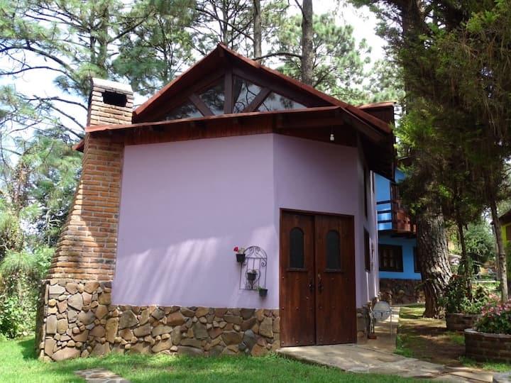 Cabaña Morada 3 camas en Coto la cueva del OSO
