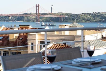 Lisbon Terraces * Amazing River Views