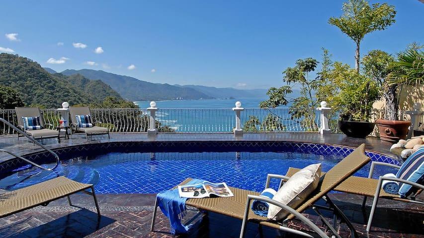 4-6BR  Villa located in Conchas Chinas hill - Puerto Vallarta - Villa