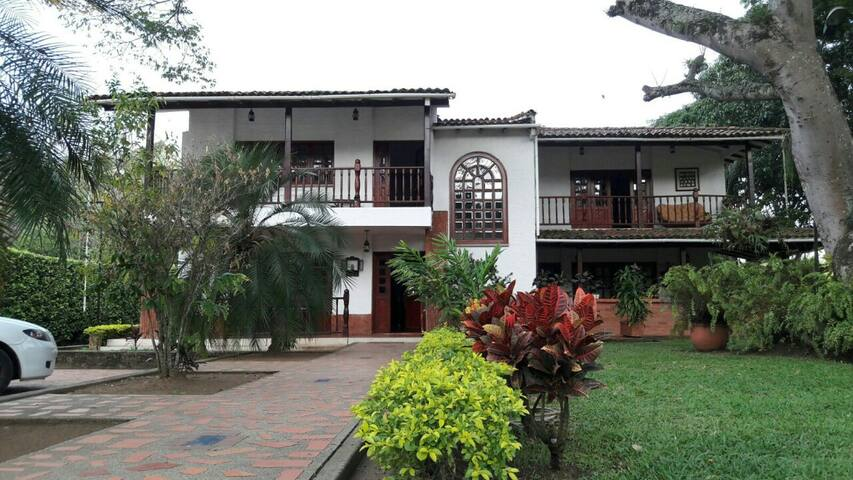 Beautiful Country House in Jamundi Colombia