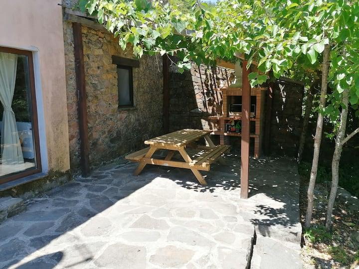 Retiro de Gondramaz - Casa inteira entrada própria