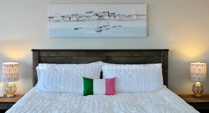 King room with Harbour view and Private Ensuite