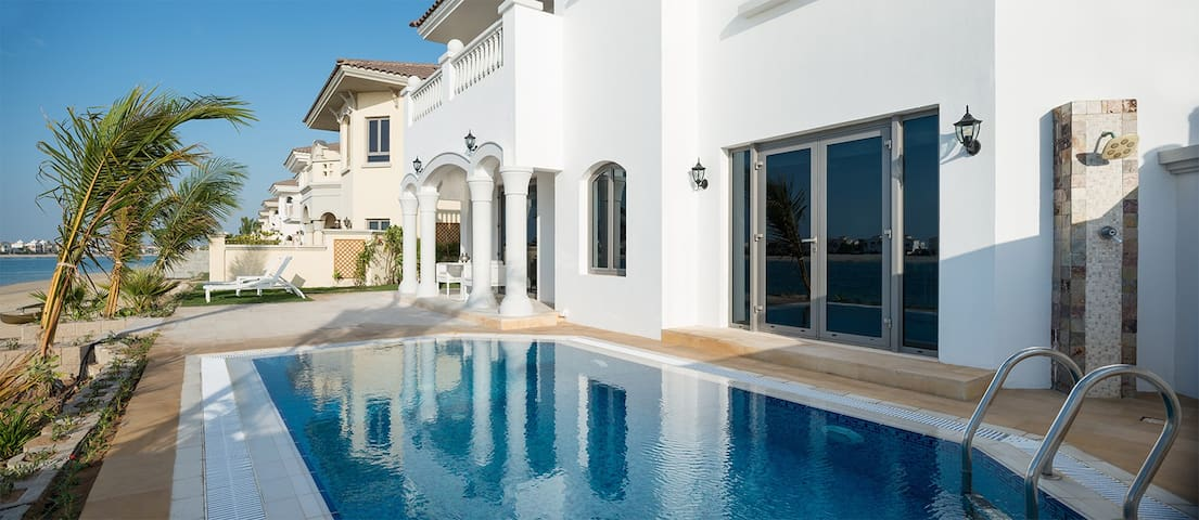 Private Sea View Villa – Palm Jumeira