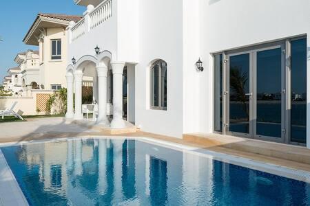 Private Sea View Villa – Palm Jumeira