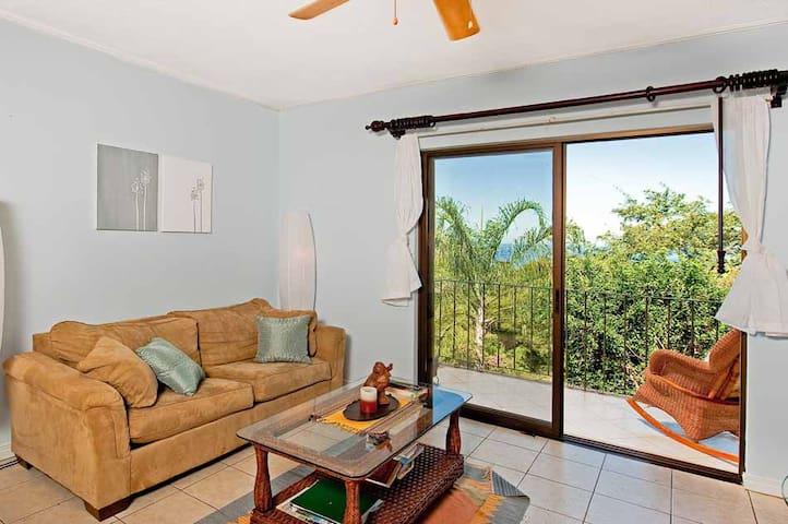 Sunset Hill, Tamarindo--Great Ocean View! - Tamarindo - Apto. en complejo residencial