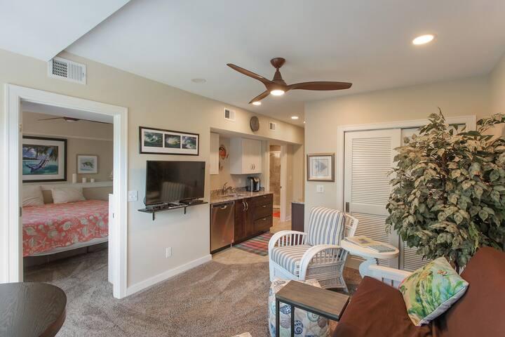 Forest Beach Villas 312 - Updated 1 bedroom Condo - Short Walk to the Beach