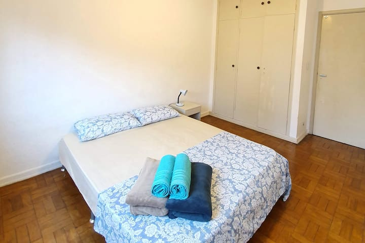 Double bed room 5 Paulista Metro (C05)