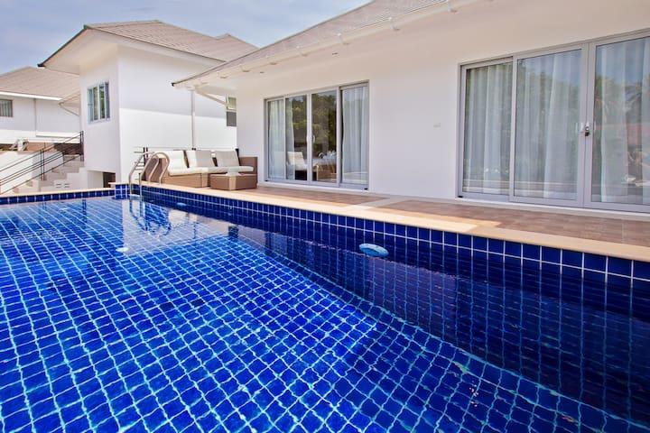 Private modern villa (Serenity - C4)