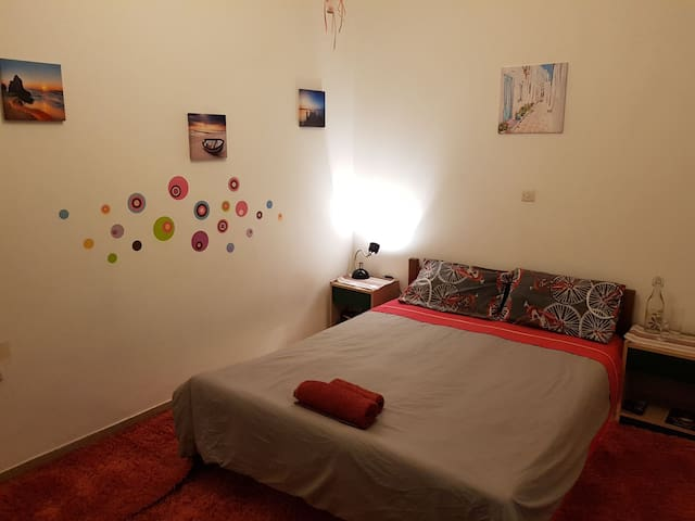 A bedroom near Piraeus port!