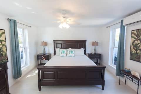Grace Bay Beach Ocean Villas, Oleander Villa