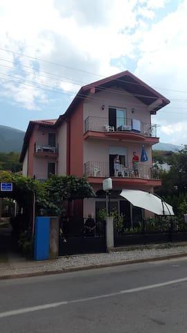 Vila Kristina - MK - Rumah