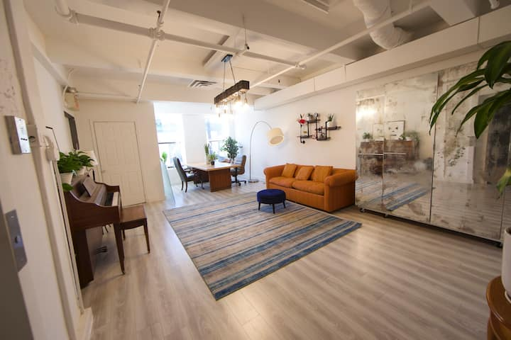 Huge LES Dream loft - Newly Renovated!