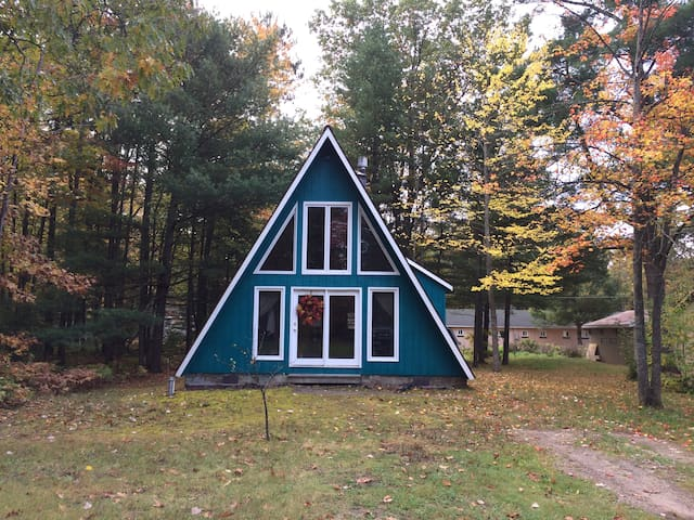Hephzibah's Haven: Up North cabin with Lake Access