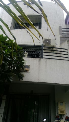 A Luxurious Villa with Lush Green Surroundings. - Thane