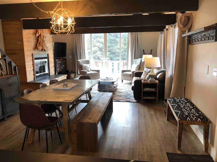 Spacious renovated 3BR + Loft cabin on Gore Creek