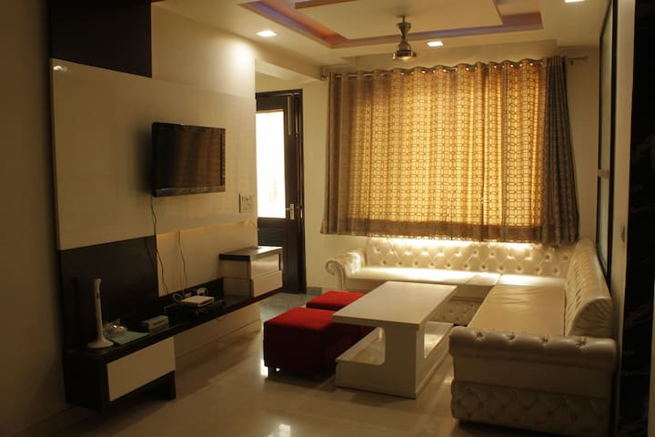 """A HOME AWAY HOME"" IN NEW DELHI - New Delhi - Leilighet"