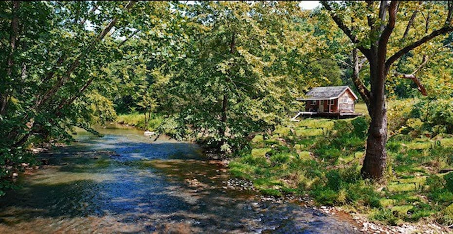 Off Grid Cabin on 150 Acres - Big Cedar Creek